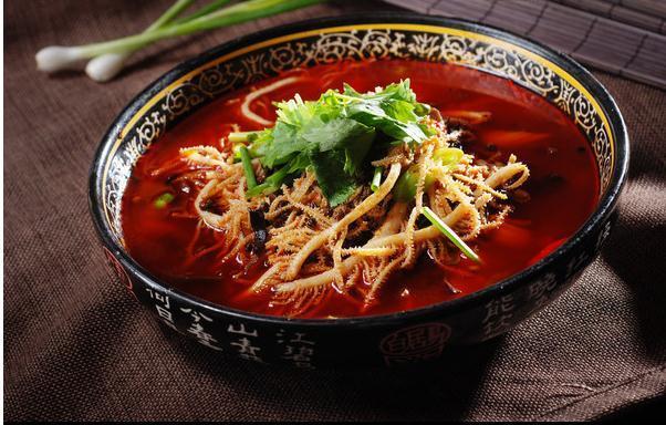 【春日美食家】好吃的毛肚火锅,就像在嘴巴里做按摩