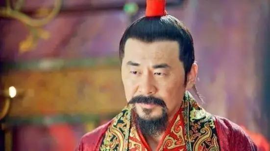 """皇帝问大臣:天下什么最大?大臣勇敢回答不是""""皇帝""""二字"""
