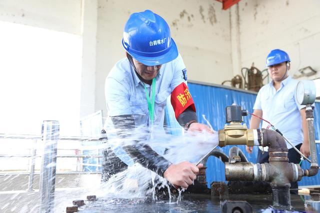 高溫下的勞動者——致敬城市製水人