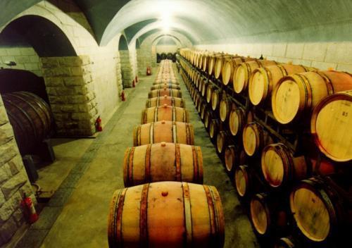 红酒中的龙头企业:127年历史,20多家工厂,卖出超5亿瓶