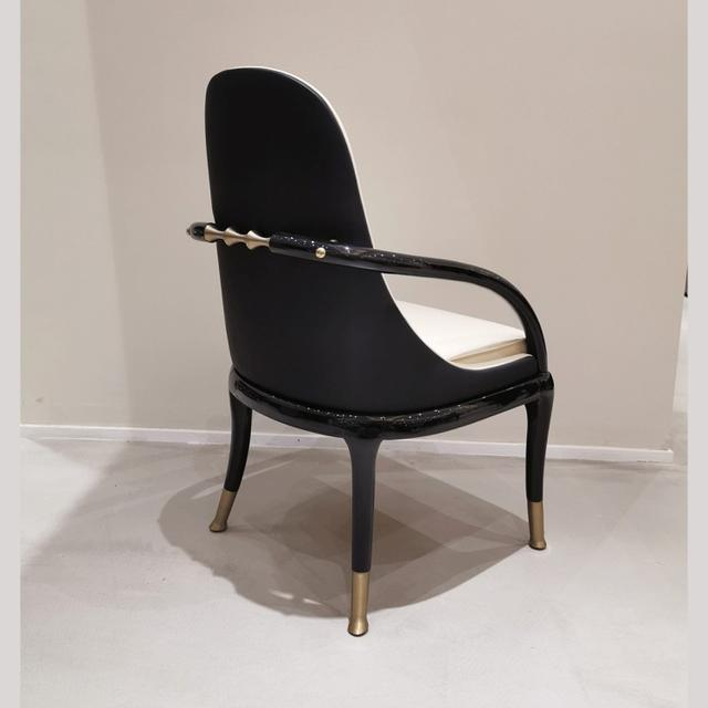时尚简约的休闲椅图片