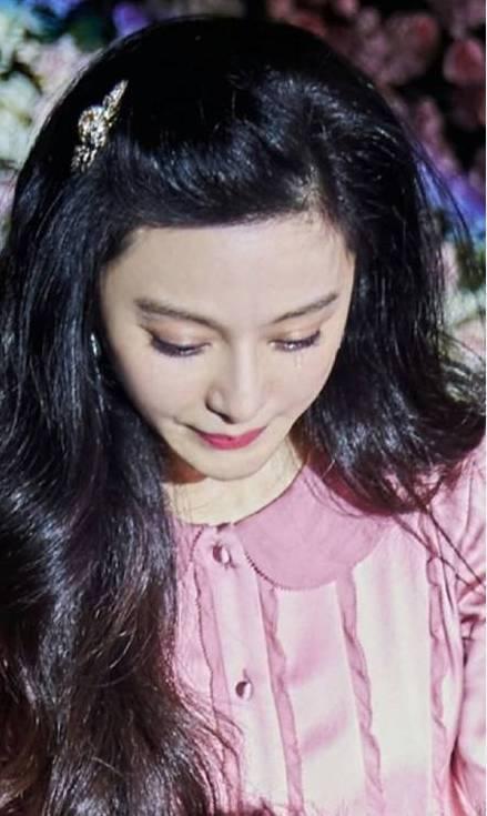 """盘点娱乐圈中""""外骚内敛""""型女星-娱乐频道-手机搜狐"""