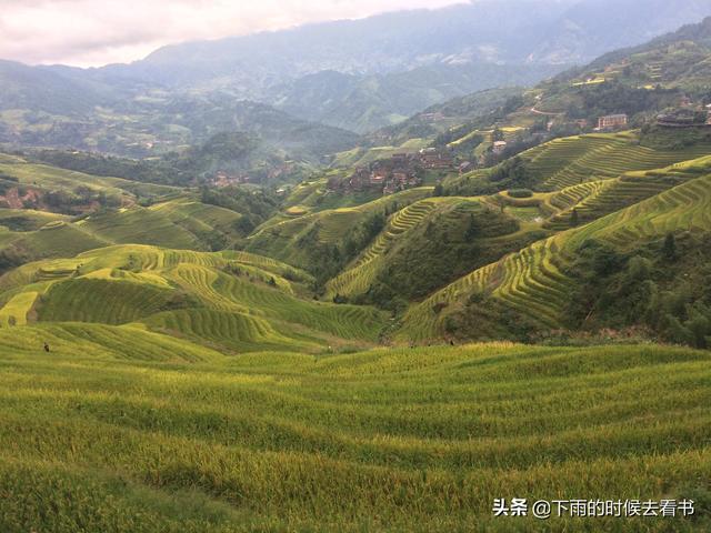 广州自驾龙胜,无人机航拍龙脊大寨金坑梯田。