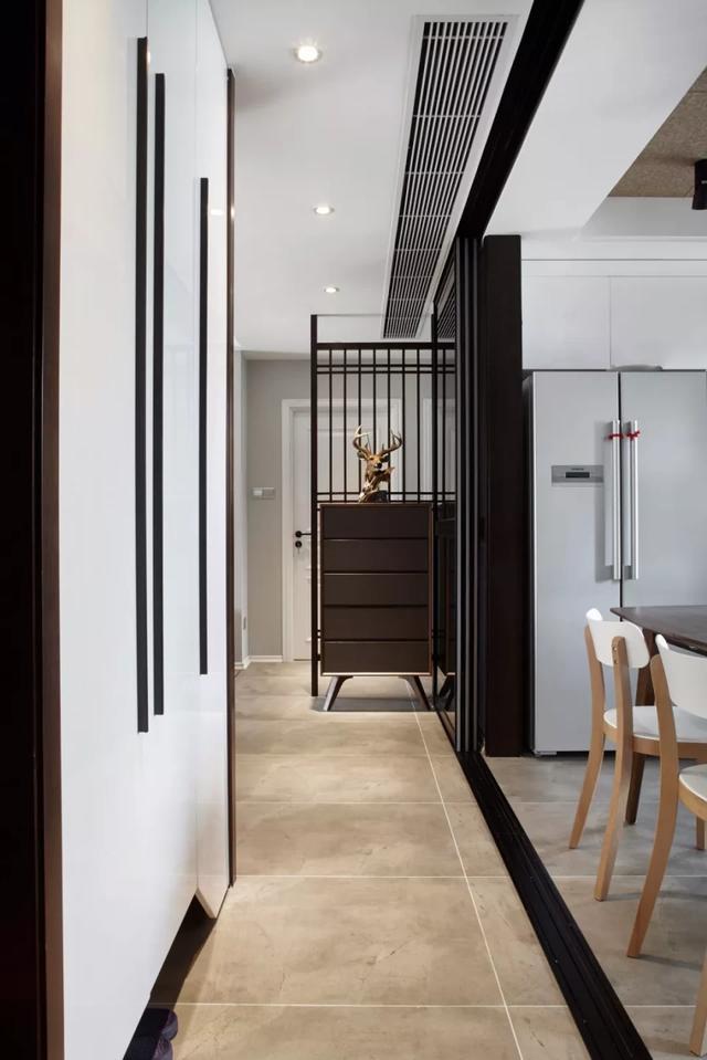 68㎡小户型装修现代风,原木风+灰色调,让家轻松又舒适!