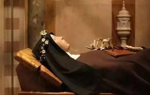 法国圣女肉身不腐,是神明的力量?还是生物学奇迹?