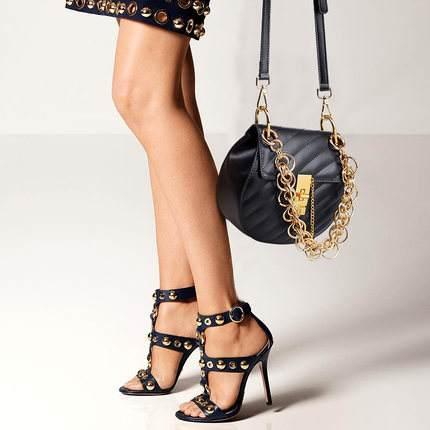 我的关键词 鞋包组合:3个搭配秘笈,让你的衣品高级且有品味  武安新闻