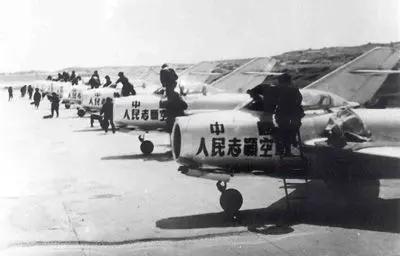 苏联空军朝战真相:毛泽东的最初决议感动了斯大林水锻法  消息
