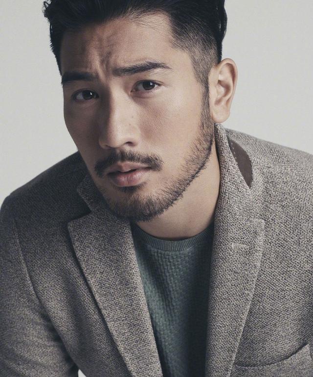 他是第一位为LOUIS VUITTON拍摄广告的亚洲男模