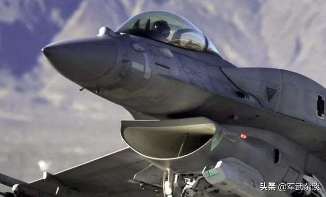 中国还需研制歼-10D吗?F-16已逐渐被人取代,歼-10家族出路在哪