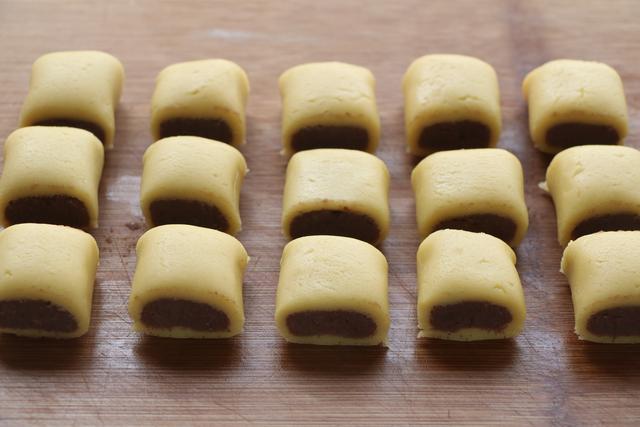 零食一口酥的做法,比曲奇還簡單,一口一個香甜酥脆,好吃又解饞