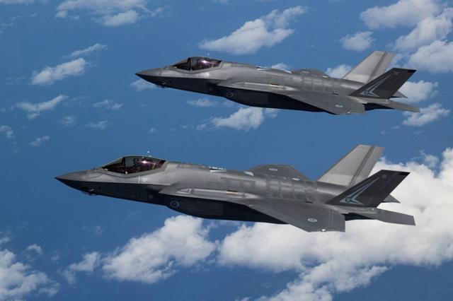 美国人:歼20虽对标F22,却只比f35强一点?尹卓:开国际玩笑