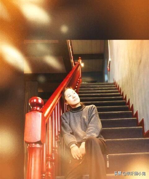 96岁秦怡上青海高原拍片,美得一丝不苟,年龄不是事!_手机搜狐网