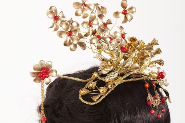 一款优雅大方的中式新娘发型教程_手机搜狐网