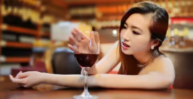 小编教你红酒必备小常识,小白必备八点~