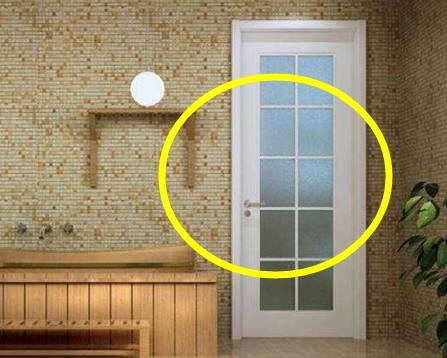 装修过2次才知道,卫生间的门得这样装,用30年没问题!