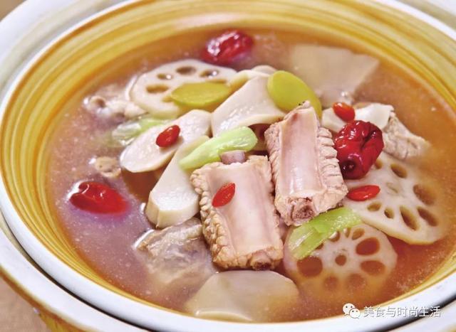 火锅小锅菌汤图片