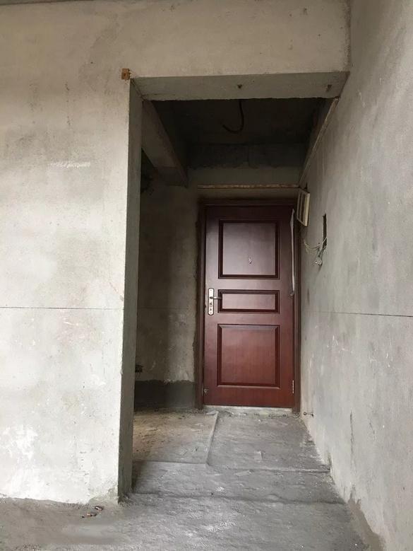 装修小三层复式,300多平花45万,耗时一年变身豪宅