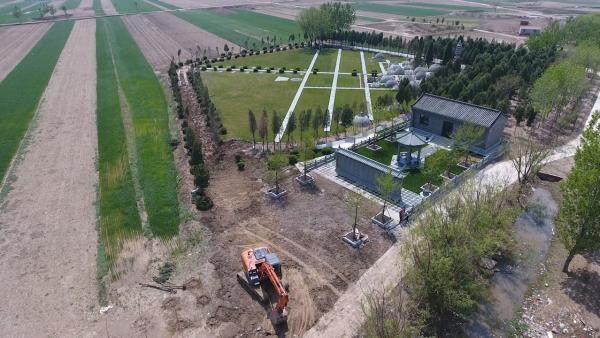 天狮集团董事长李金元宗族墓地开始拆除,外围华表... _网易视频