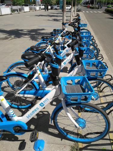 银川街头出现哈啰共享单车 官方回应:测试完成后将全部收回