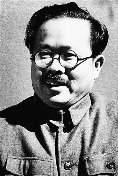 任弼时曾严厉警告张国焘:再诋毁毛泽东就翻脸