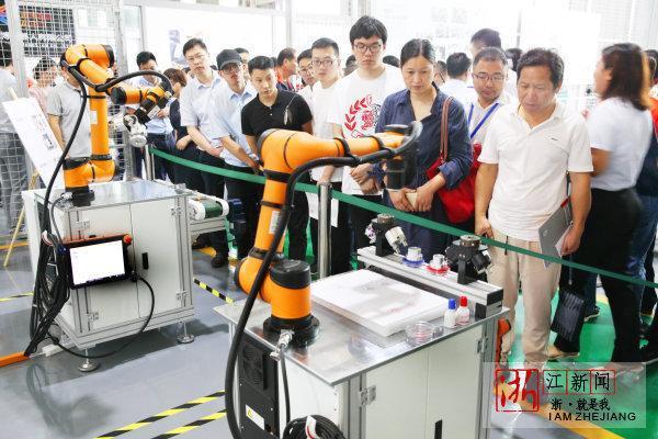 温岭:领航国内协作机器人