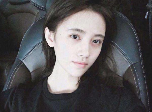 王俊凯卸妆后素颜照