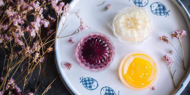 中秋团圆节各类美食月饼必不可少 破纪录的大月饼长啥样 你见过吗