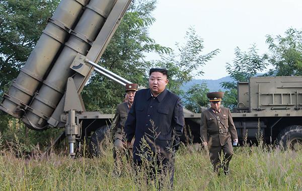 朝鲜电视台播报火箭发射