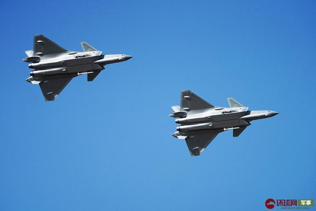 """空军迎来成立70周年纪念日 看如何打造""""世界一流空军"""""""