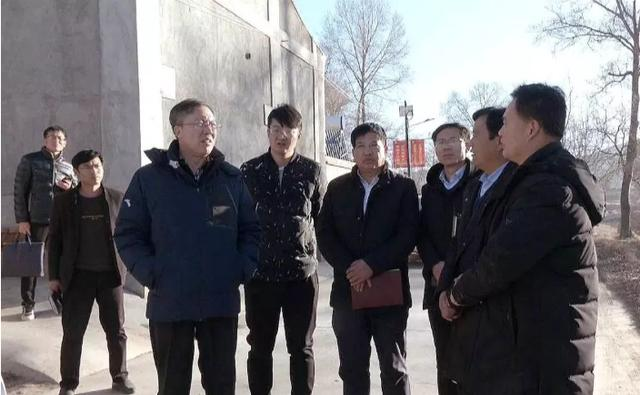 临洮县委书记石琳调研寺洼遗址发掘及保护工作