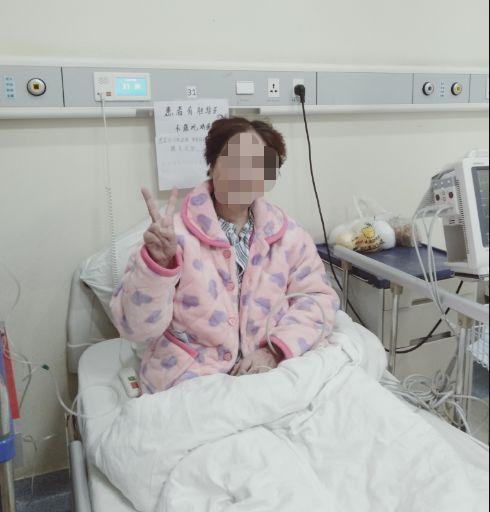 治疗花费超50万元,全由国家承担!56岁危重患者哽咽:只有中国能做到这样插图
