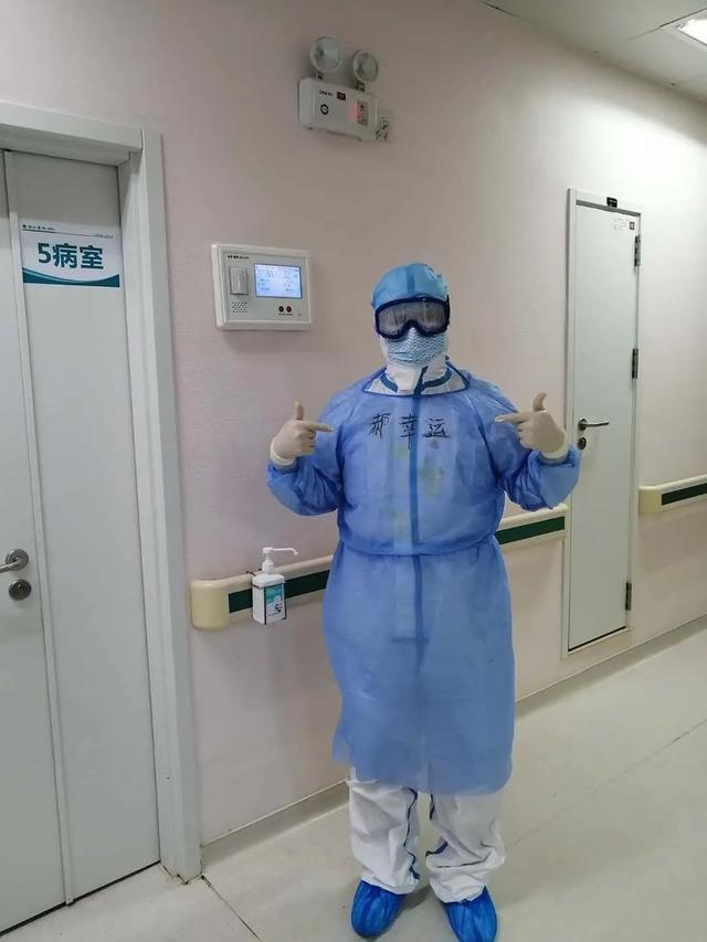治疗花费超50万元,全由国家承担!56岁危重患者哽咽:只有中国能做到这样插图2