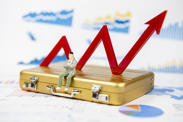沪指涨超4%近3300 哪些股票在涨?还能涨多久?