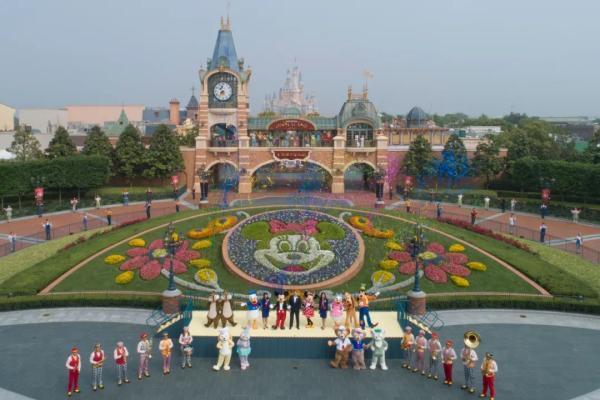 上海迪士尼乐园限流重开,成疫情以来全球首家