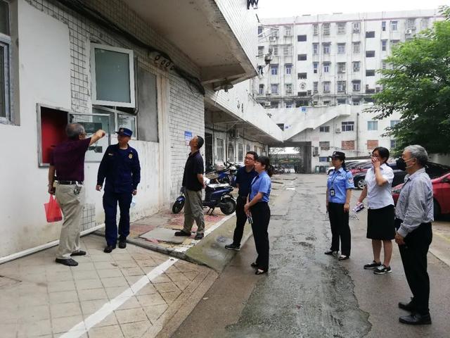 """安庆迎江:将""""一站式""""的检察服务搬到居民家门口"""