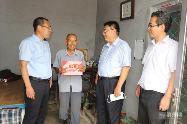 惠民县领导到姜楼镇慰问困难党员送关怀