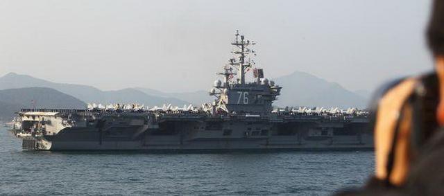 外媒述评:美两航母南海演习炫耀武力,中国不惧美方恐吓施压
