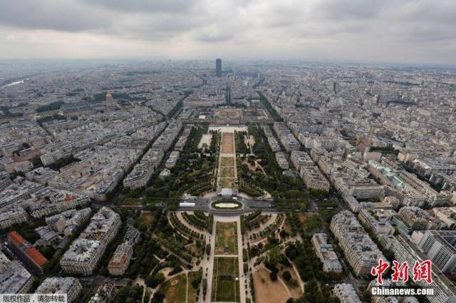 疫情未尽巴黎游客寥寥 民众:从未见过如此安静的首都