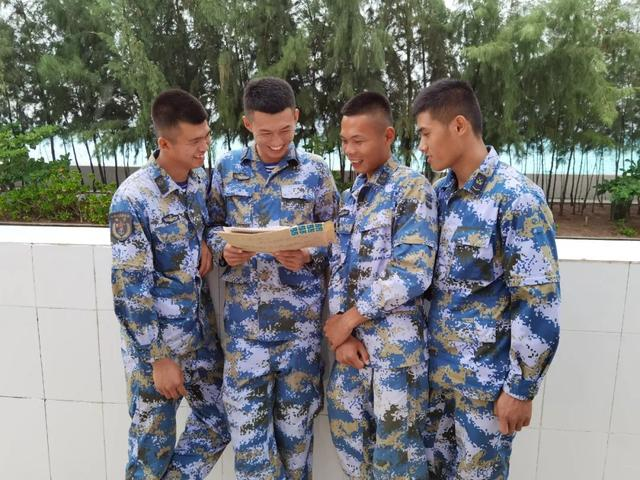 八一前,赤瓜礁官兵收到了一份珍贵的礼物……