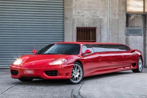 """200万元!法拉利360超级加长版出售:车内似""""夜店"""""""