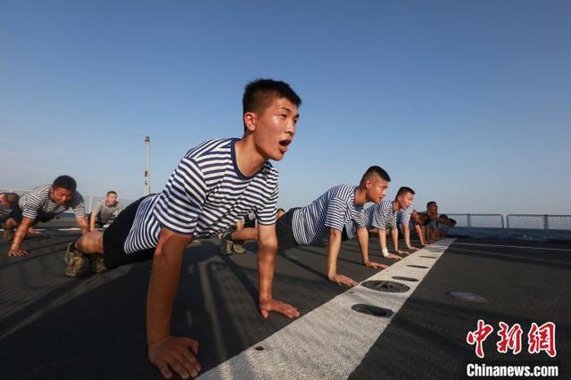 【运动,亦是战斗力——海军第35批护航编队开展群众性体能训练侧记】图4
