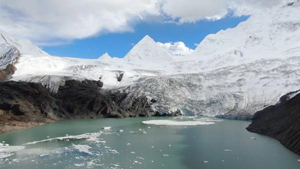 西藏雪山照片高清