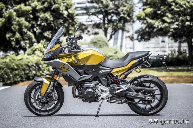 主打运动性能的拉力摩托宝马F900XR车型解析