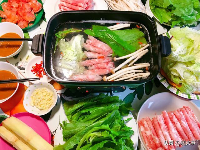 羊肉铜火锅图片