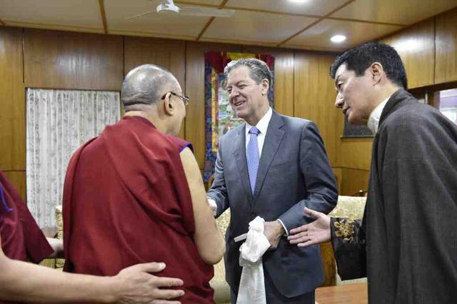 中方制裁美官员,为什么是他们四个?丨北京观察