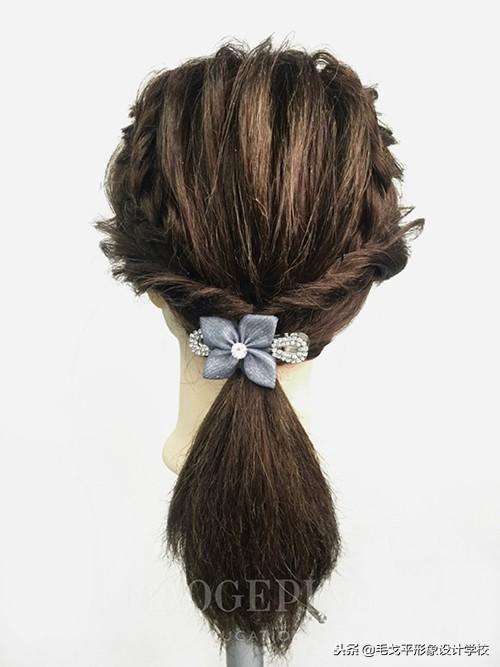 马尾辫有100种扎法,这一款最甜美!