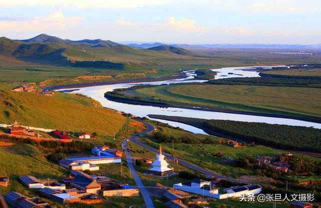 四川的若尔盖草原 有黄河的第一湾 夏季是欣赏最美的季节