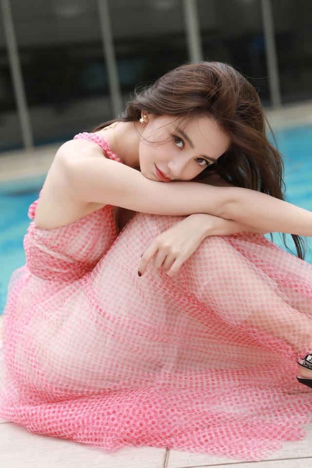 杨颖穿泳衣被看见照片