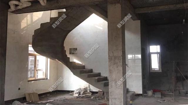 双跑楼梯平面图