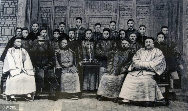 当初英国想租香港100年,为何清朝咬死99年?如今发现如此重要!
